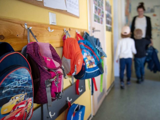 Coronapandemie: Kinder- und Jugendärztepräsident für Impfpflicht für Erzieher und Pfleger