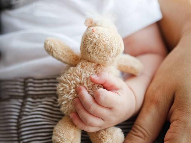 Umfrage zeigt: Viele Eltern kennen das Allergierisiko ihres Babys nicht