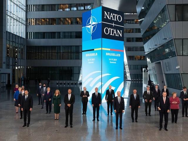 """Verteidigungsbündnis mit """"neuem Kapitel"""": Nato will Russland und China geschlossen in Schach halten"""