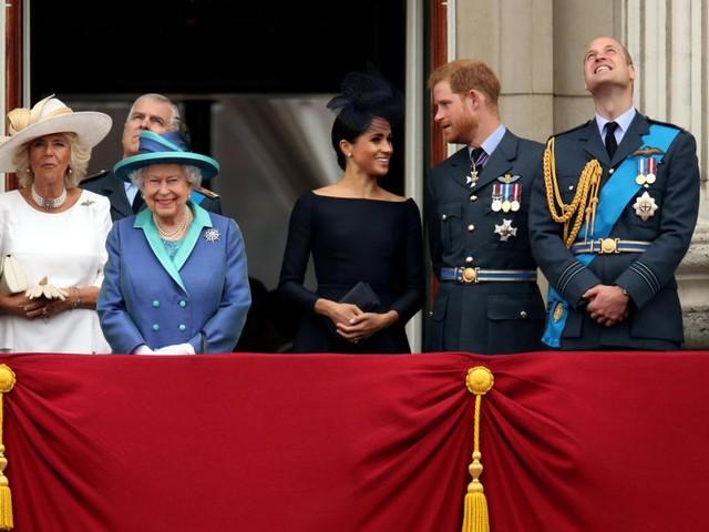 Wie sich die Sussexes und der Palast gegeneinander ausspielen