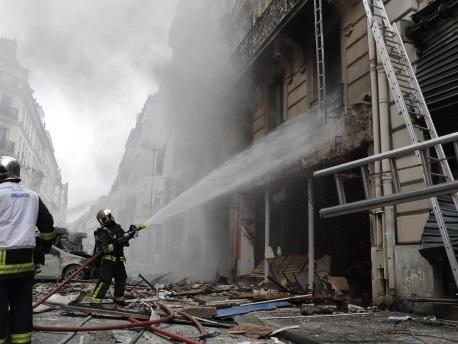 Pariser Polizei meldet Explosion in einer Bäckerei