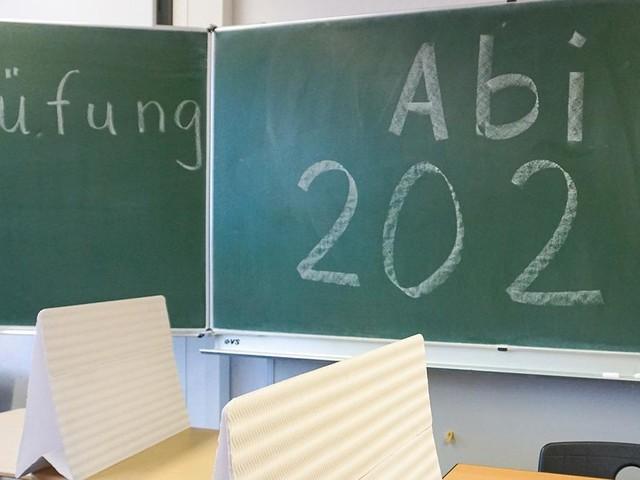 Abiturprüfungen 2021 finden trotz Lockdowns statt