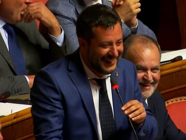 Video: Rückschlag für Salvini: Senat verschiebt Debatte über Regierungskrise