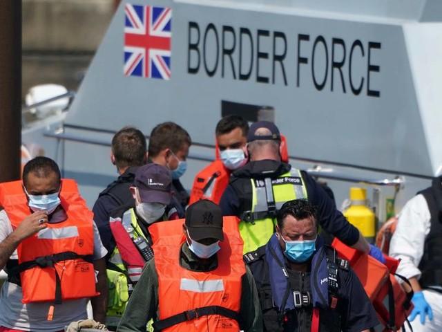 Britische Behörden erwarten laut Medienbericht Tausende weitere Migranten am Ärmelkanal