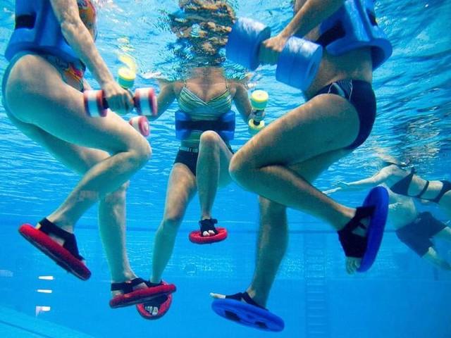 Schonendes Ganzkörpertraining: Aquajogging: So trainierst du effektiv im Wasser