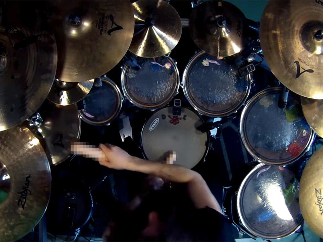 Enter Sandman Drum Cover mit Dildos