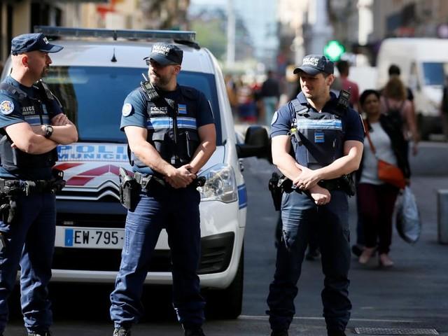 Explosion in Lyon: Verdächtiger weiter flüchtig