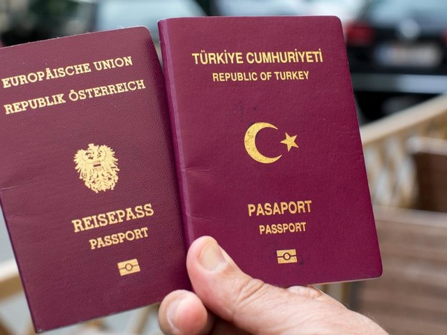 Hunderten türkischstämmigen Wienern droht Pass-Entzug