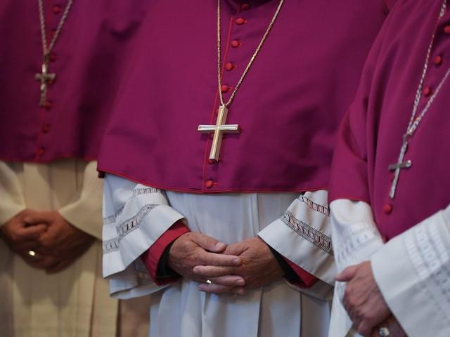 Missbrauchsstudie der katholischen Kirche: Kardinal Reinhard Marx bittet Opfer um Entschuldigung