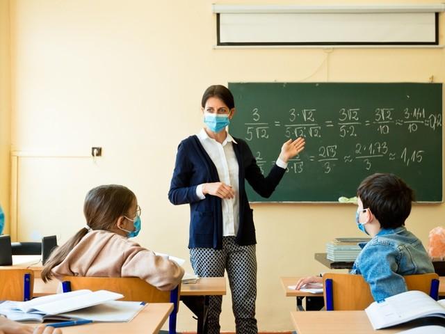 In NRW gilt ab heute Maskenpflicht im Unterricht – Schüler mit Schnupfen sollen 24 Stunden zu Hause bleiben