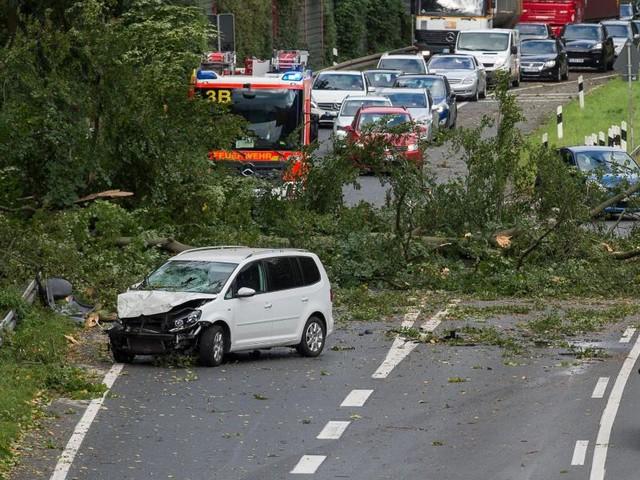 Erstes Todesopfer durch Sturmtief Xavier in Hamburg