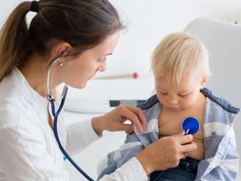 Kritik an fortwährender Benachteiligung von Kindern im Gesundheitssystem