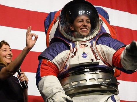 Astronautenanzüge sind jetzt geschmeidiger