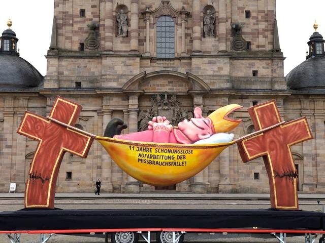 Deutsche Bischofskonferenz: Bischöfe gegen höhere Schmerzensgelder für Missbrauchsopfer