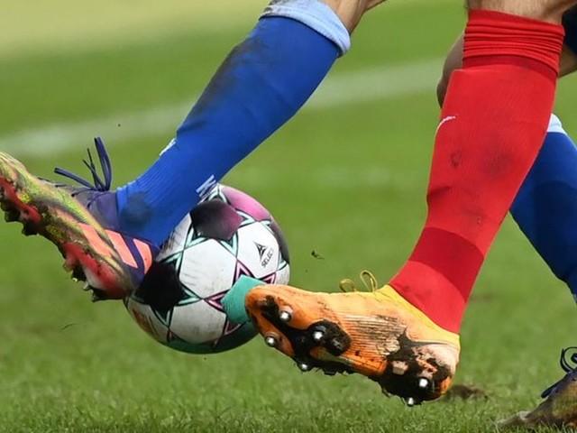 Bayern siegt trotz langer Unterzahl: 3:1 nach Rot für Pavard