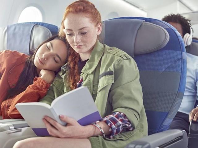Schlafen im Flugzeug? Zu diesen Zeiten besser nicht