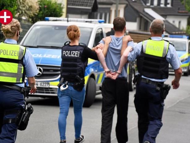 Justiz: Siegen: Freunde prügeln sich wegen Rap – dann fallen Schüsse