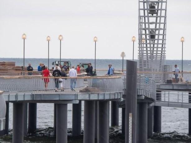 """""""Neues Wahrzeichen"""": Seebrücke in Koserow jetzt eröffnet"""