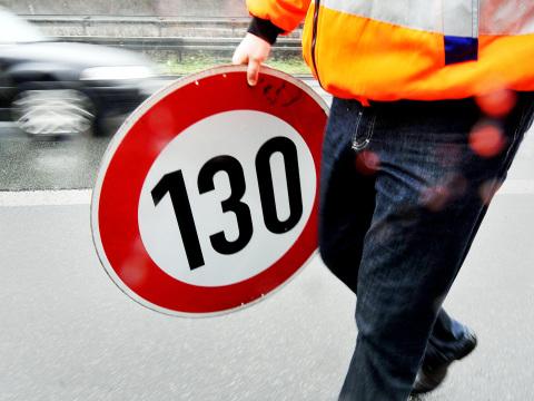 Tempolimit auf der Autobahn: Bundesregierung lässt Entscheidung noch offen