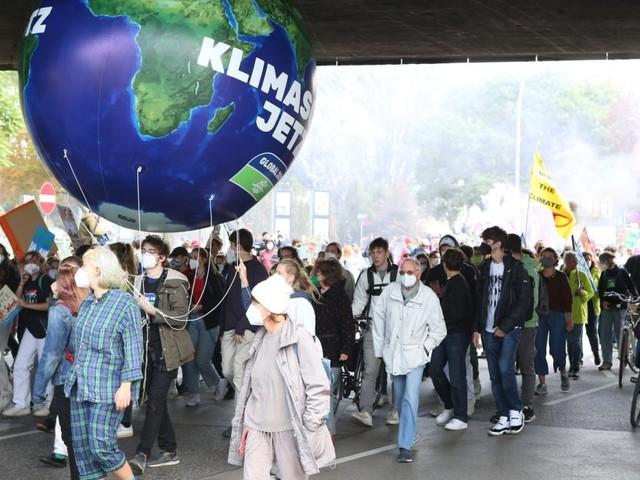 Klima-Proteste in Wien: Vom Rathaus auf die Straße