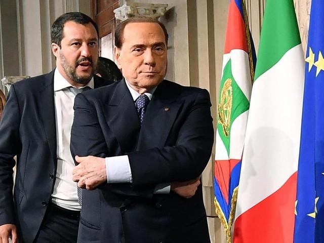 Wie Berlusconi weiter mächtig bleiben will