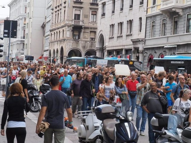 Tausende demonstrierten gegen 3G-Regel in Italien