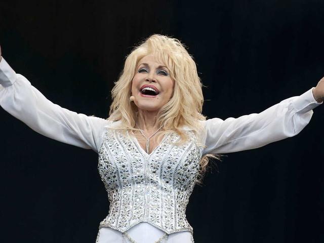 Dolly-Parton-Challenge: Wie eine 74-Jährige das Internet aufmischt