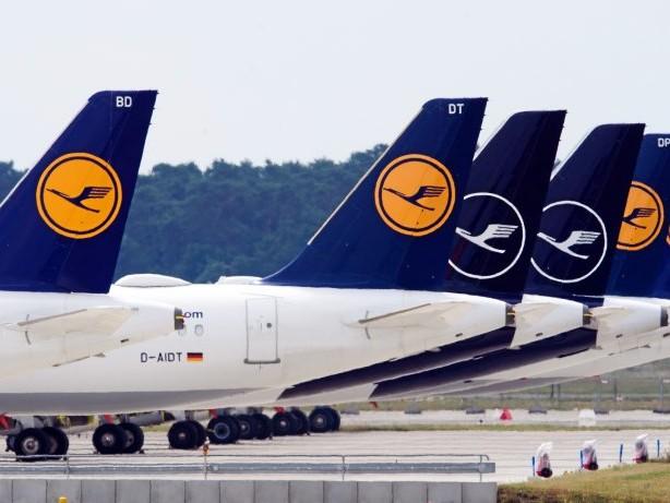 Flugausfälle: Tausende Verbraucher warten auf Flugticket-Erstattung