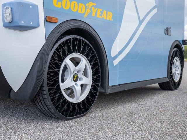 Goodyear Airless-Reifen kommen auf 3D-gedruckten Olli-Shuttles zum Einsatz