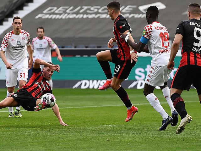 Bundesliga: Mainz hilft dem BVB - verrücktes Tor im Sitzen rettet Eintracht einen Punkt