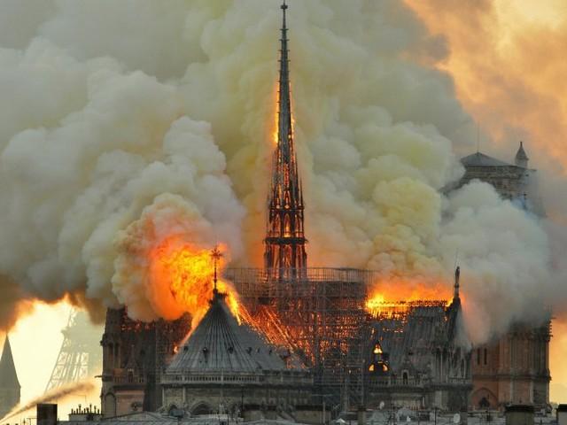 Netzreaktionen auf Notre-Dame: Von rechts bis zum Rechtschaffenheitsreflex