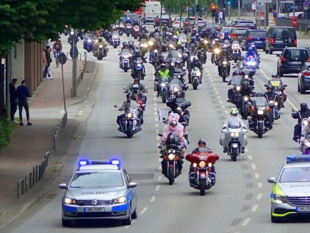 Verkehrsbehinderungen: Tausende Motorradfahrer demonstrieren Sonntag in Hamburg