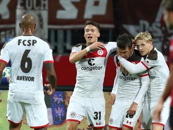 St.Pauli springt in Spitzengruppe der 2. Liga