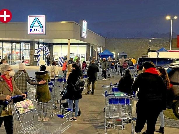Einkaufen: Riesen-Ansturm auf den neuen Aldi-Markt in Bestwig