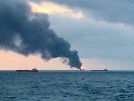 Explosion auf Frachtern: Zehn Tote bei Schiffsbrand vor Meerenge von Kertsch