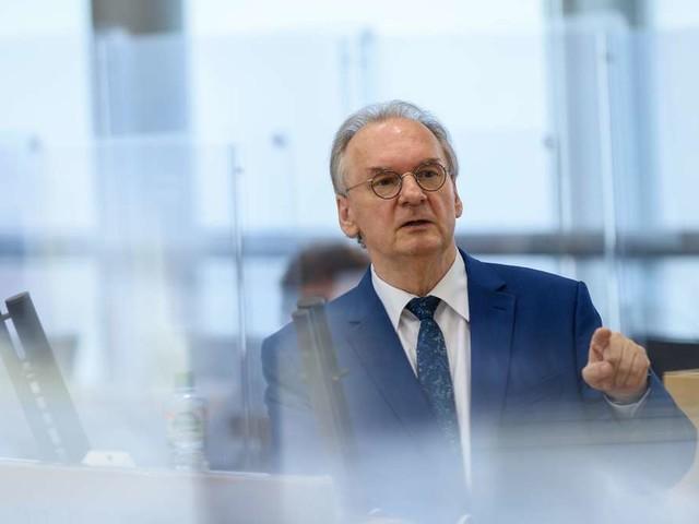 Kopf-an-Kopf-Rennen zwischen CDU und AfD