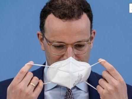 """Maskenbeschaffung: Spahn verteidigt """"unkonventionelles Handeln"""""""