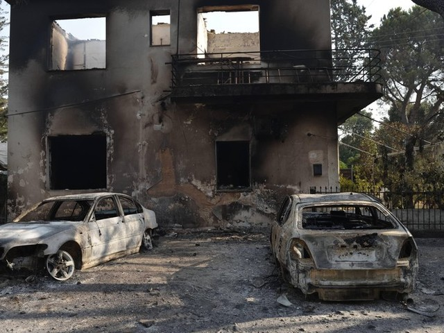 """""""Es fällt uns schwer, zu atmen"""": Augenzeugin berichtet über die Brände in Griechenland"""