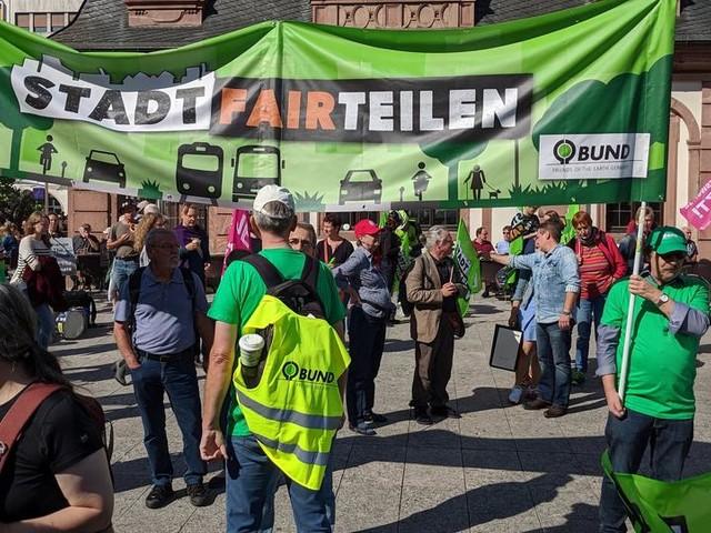 Klima-Protest gegen IAA in Frankfurt läuft - Laut BUND 25.000 Teilnehmer