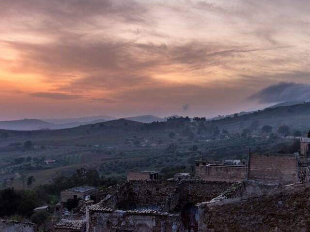 Diese Geisterstadt auf Sizilien sucht Bewohner