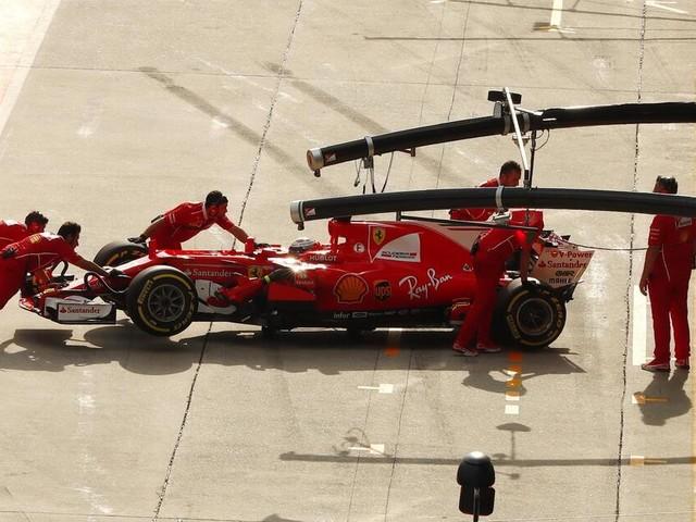Großer Preis von Malaysia 2017: Kimi Räikkönen muss zurück in Boxengasse
