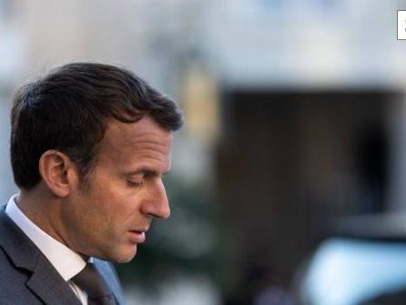 """""""Nieder mit der Macronie"""": Mann ohrfeigt Emmanuel Macron"""