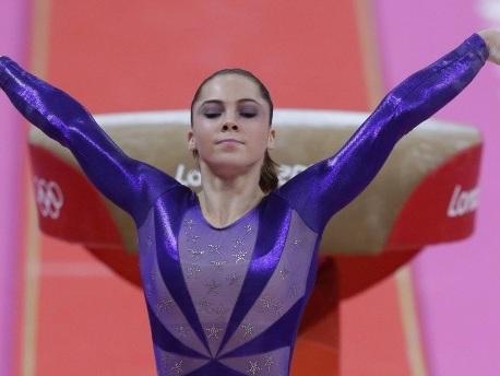 Sexueller Missbrauch im Sport: Amerikanische Turn-Olympiasiegerin klagt Teamarzt an