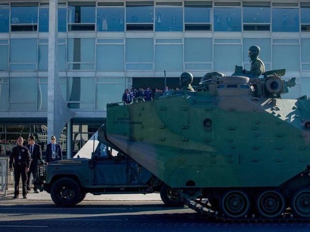 Brasilien: Nach Militärkonvoi: Niederlage für Bolsonaro bei Wahlreform