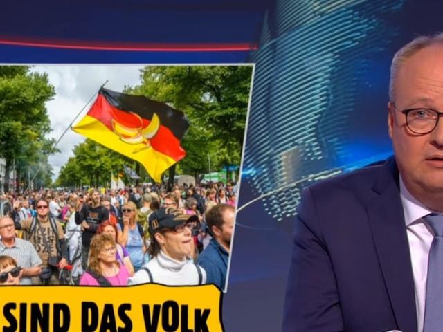 """ZDF-Moderator wird deutlich - Oliver Welke in """"heute show"""" über gewalttätige Querdenker: """"Asoziales Stück Sch...!"""""""