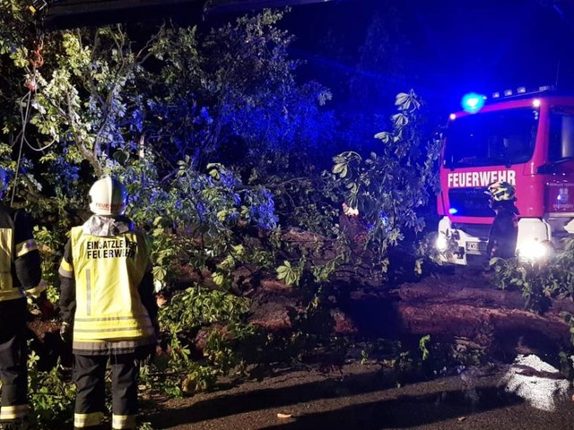 Über 1.500 Feuerwehrleute Montagnacht im Unwettereinsatz