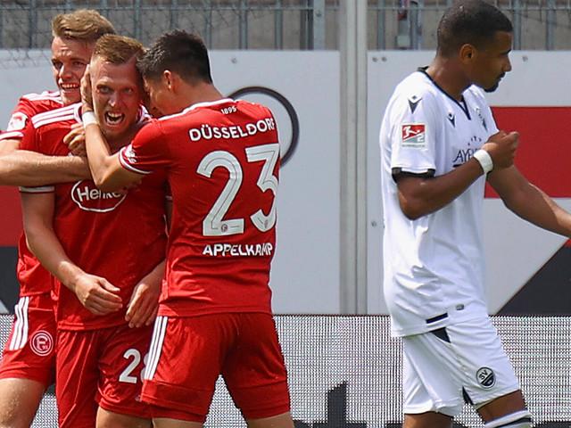 2. Liga: Fortuna und St. Pauli feiern Auftaktsiege