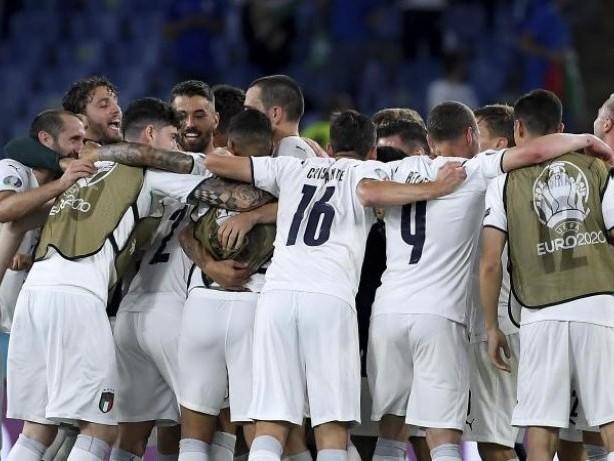 Einschaltquoten: Fußball liegt klar vor ZDF-Krimi