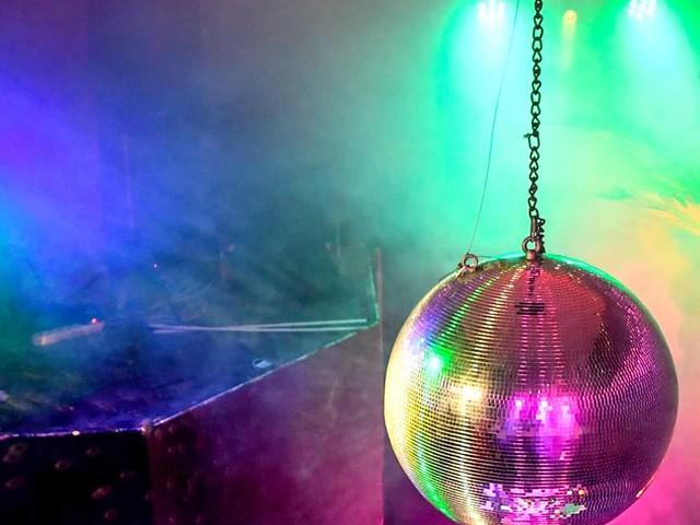 Corona-Verstöße: Polizei schließt zwei Discos in Hannover