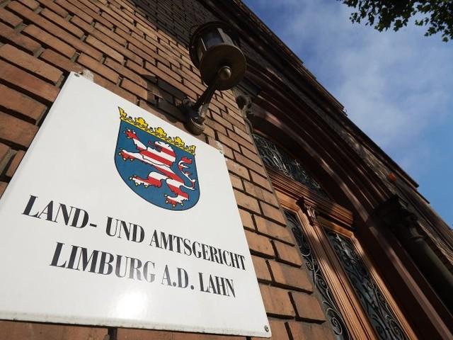 Prozess in Limburg: Bankvorstand gesteht Veruntreuung von mehr als acht Millionen Euro